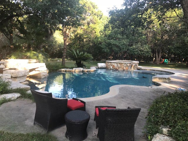 EVERYTHING NEW- Secluded Area Near Austin Texas