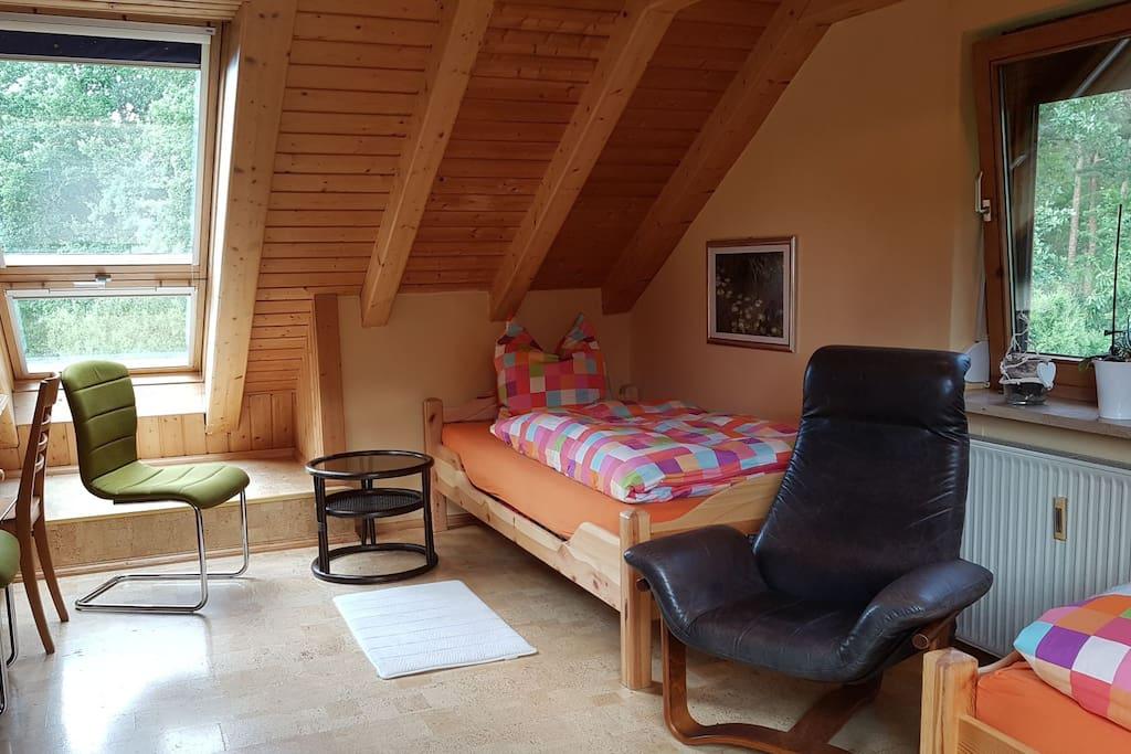 Schlafzimmer Bett 1