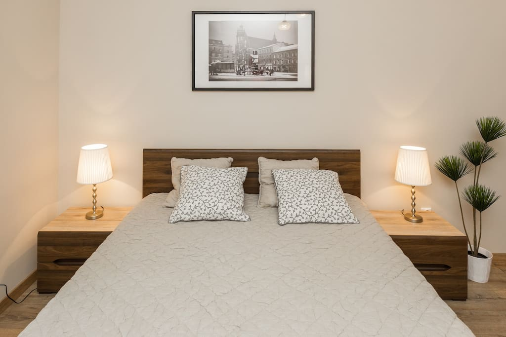 2x double bed King Size with IKEA Sultan mattress)