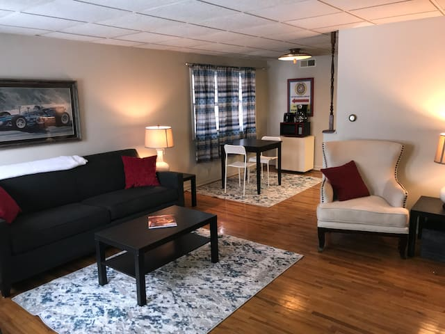 1Br/1Ba.  Perfect for the worker on the road.