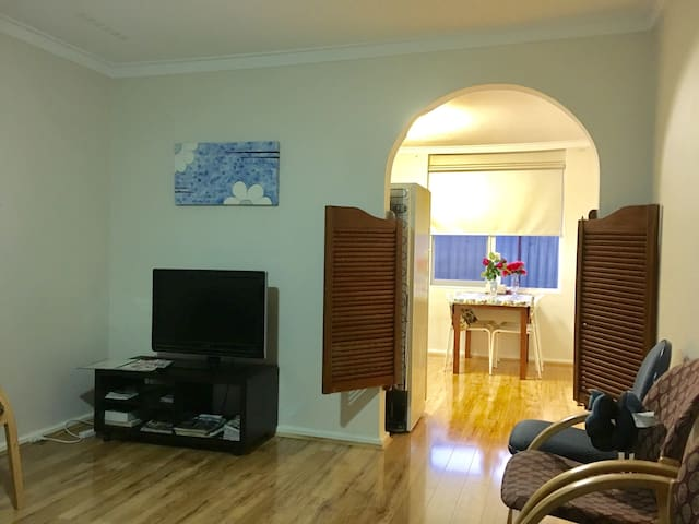 Get Away Holiday House 106 [7 Pax]7人度假房 - Gosnells - Hus