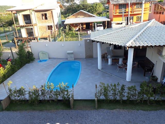 Casas Praia do Rosa com Piscina