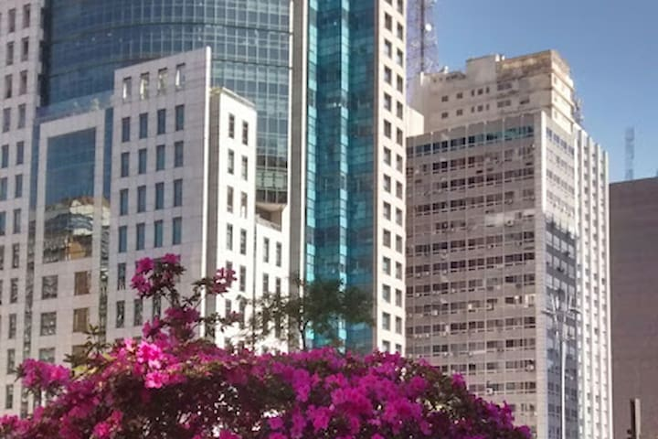 Come to the heart of Paulista Avenue!