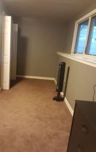 800 sq. ft. Private Suite - Manhattan - House - 2