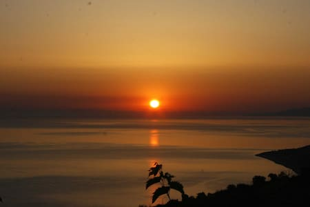 Paradise is here! Sicily:sun,sea,food,nature,relax - Motta D'affermo - Bungalow