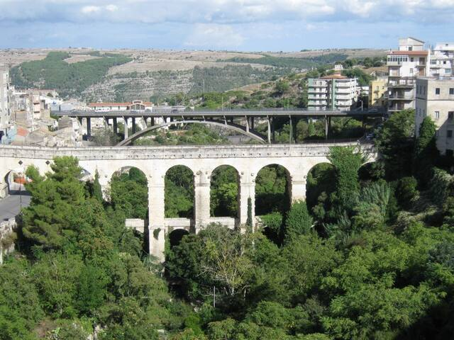 Vista ponti e della vallata S.Domenica