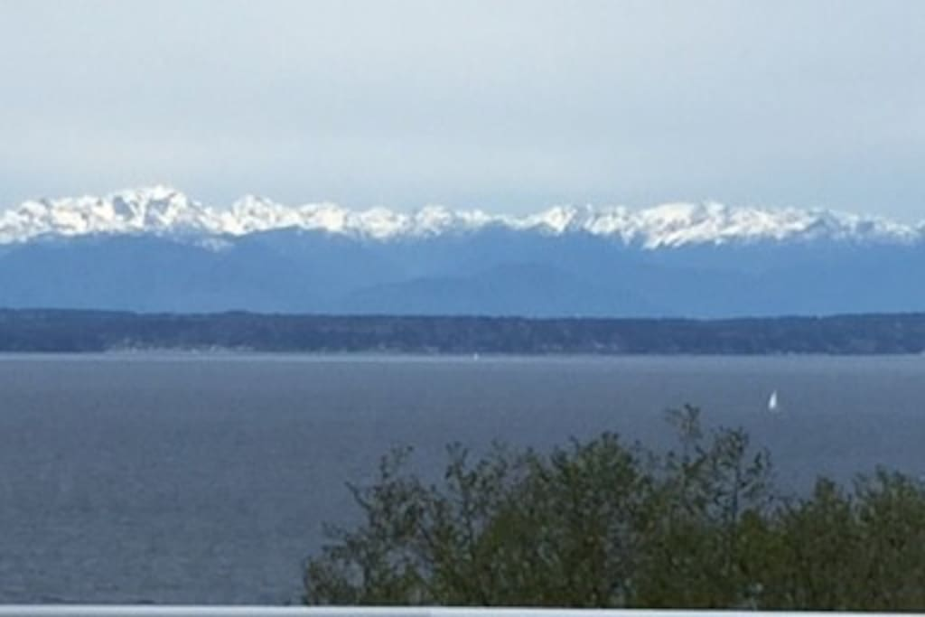 SEE THE OLYMPIC MOUNTAINS!