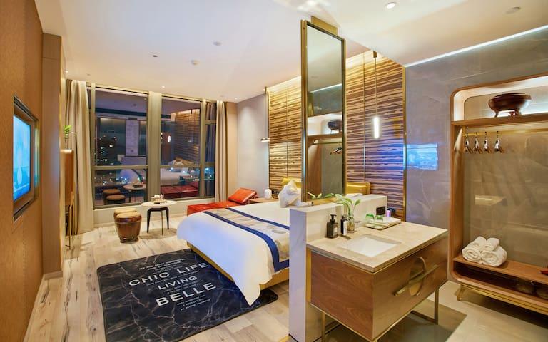 55寸电视!17楼阳光房!智能情侣景观大床房!