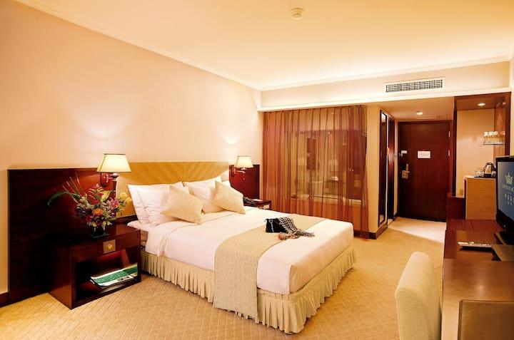 澳门帝濠酒店(Emperor Hotel)高级房(3-4人)澳门半岛市中心,新马路,大三巴港澳码头
