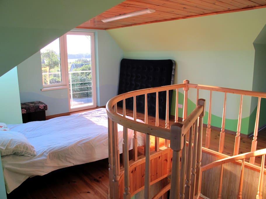 2 floor bedroom