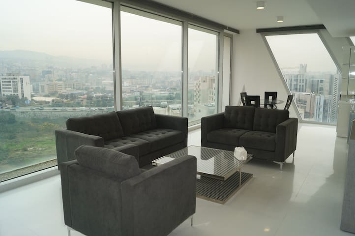 Luxurious Apartment at The Cube (Mountain Views)