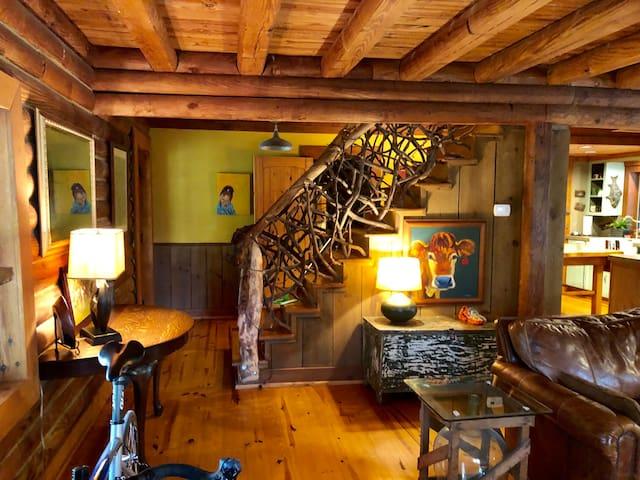 Craftsman Style Log Cabin