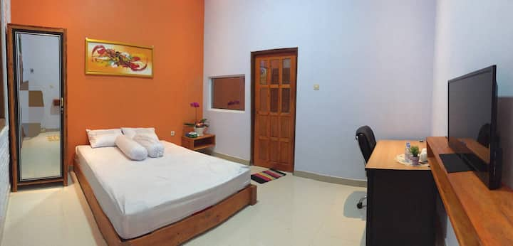 Djoglo Djatimalang Suite Guesthouse 4