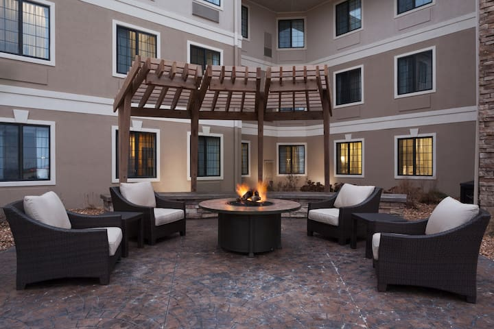 Relaxing Retreat! Great for Business Travelers | Free Breakfast + Pool, Gym, Business Center Access