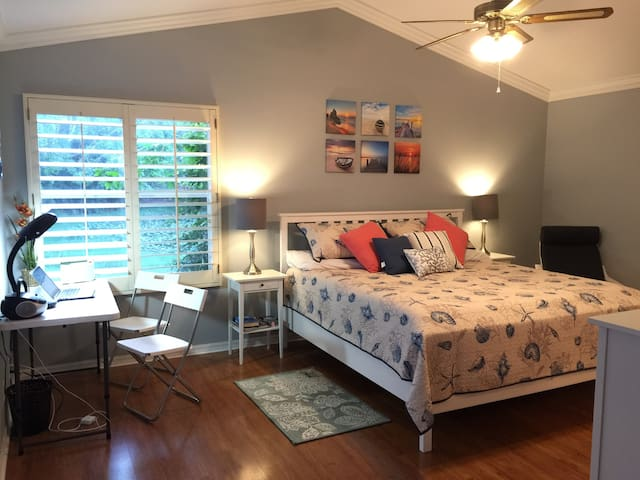 Beautiful Single family home - 2 BR & Studio- 2 BA