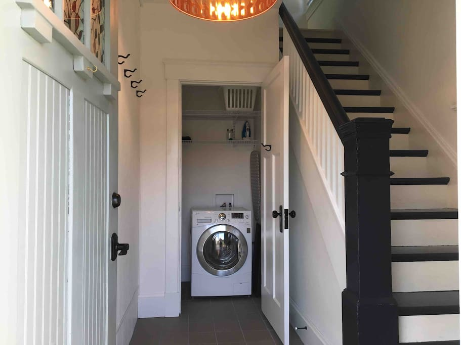 A free Washer/Dryer combo is located in the Airbnb space. If you would like me to do laundry for you in my larger machines we can negotiate a fee. (Note: I do not iron ;)