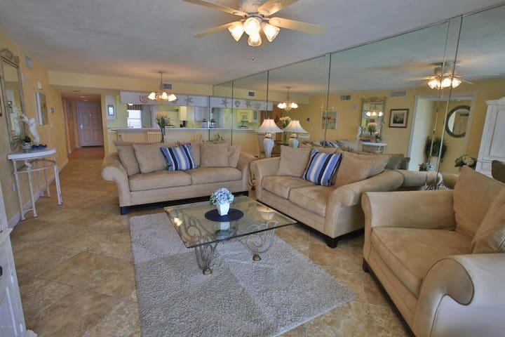 Oceanfront, Great Area - Daytona Beach Shores