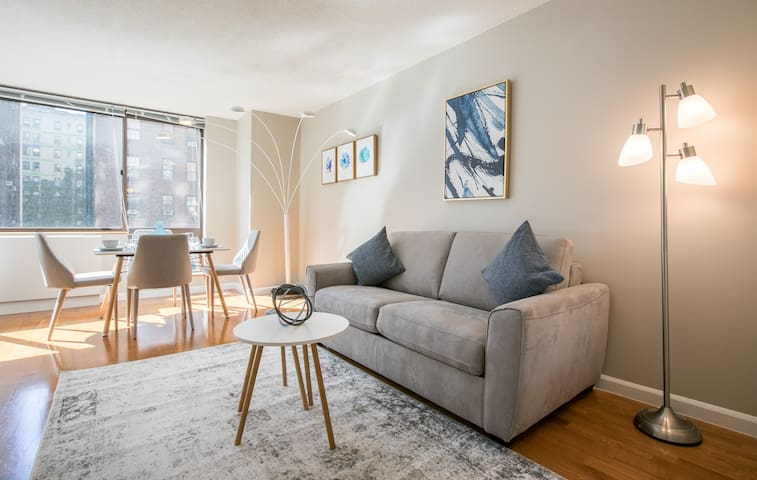 New Studio in UWS steps from Central Park #6122