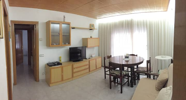Apartment 12 minutes from beach and town center