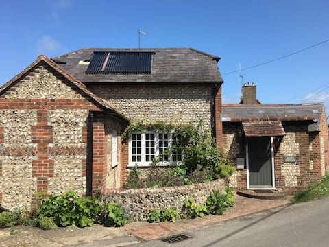 Eco-friendly Cottage in Heart of the South Downs