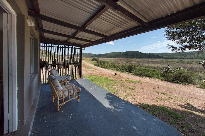 Emlanjeni Private Game Reserve - Cottage 2