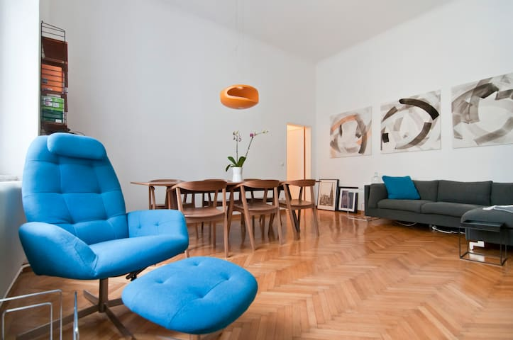 stylish flat in quiet area