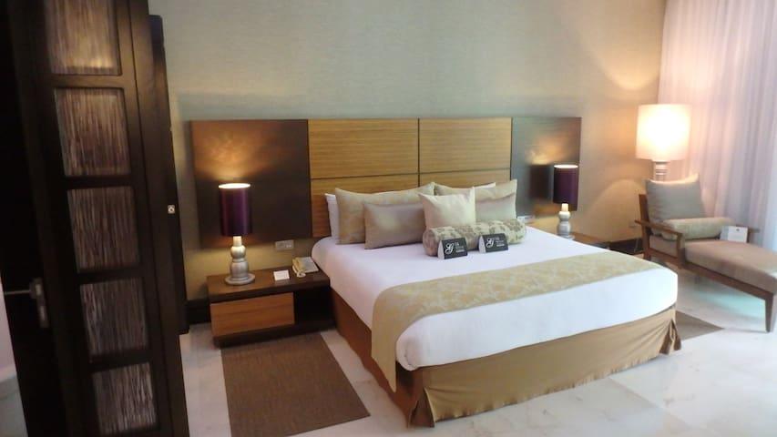 AAA 5 diamond Grand Luxxe loft 1 bed 1.5 bath - Las Jarretaderas - Timeshare