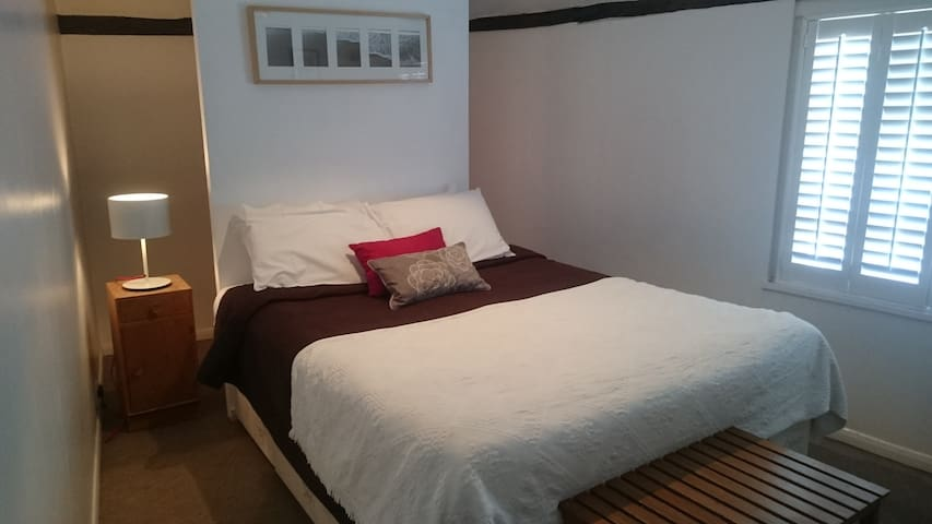Lovely double room in Mermaid Street, Rye - Рай - Квартира