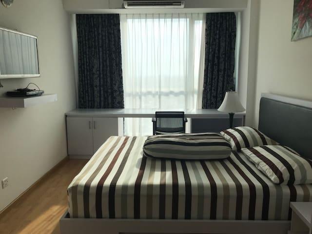GH Apartment 2BDR & Gandaria City Mall Attached