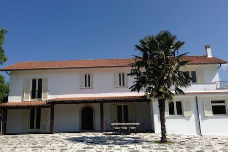 Quintessential Italian Life at Villa Sabatini - Atina - Villa