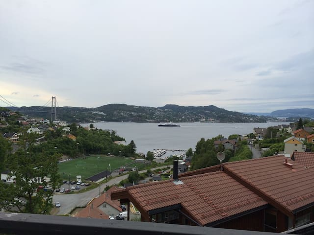 Stunning seaview close to Bergen centre - Bergen - House
