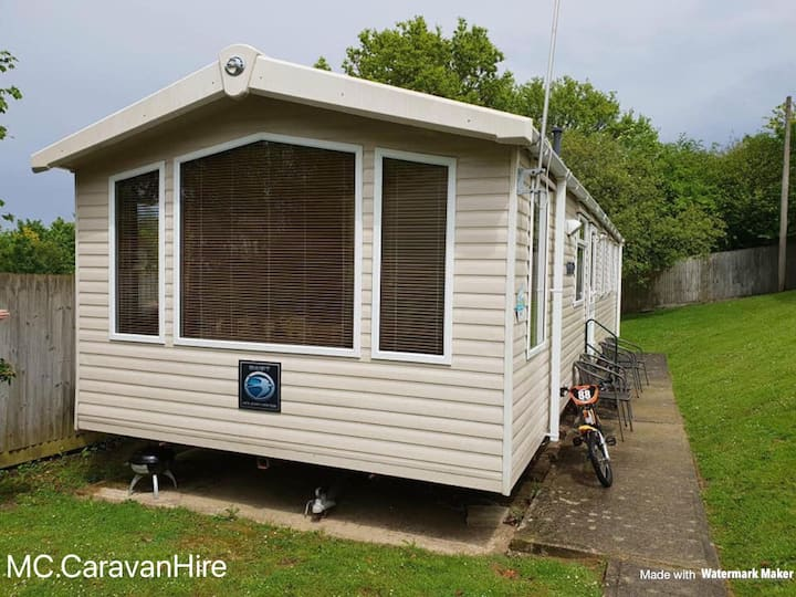 Prestige 8 berth static caravan for rent