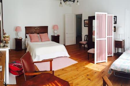 Chambre cosy dans maison de caractère - Moissac - 独立屋