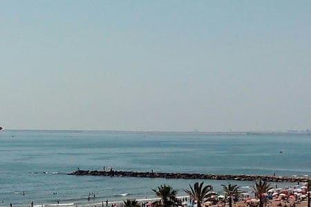 Ático 1a línea mar con 2  terrazas - Port Saplaya - Daire