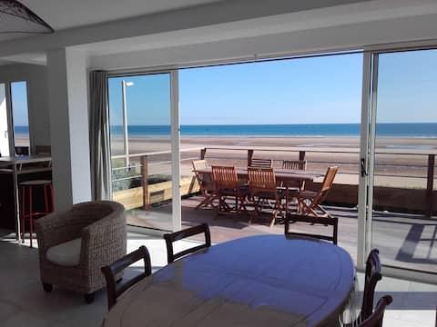 """Sea facing house """"Les Embruns"""" in Omaha Beach"""