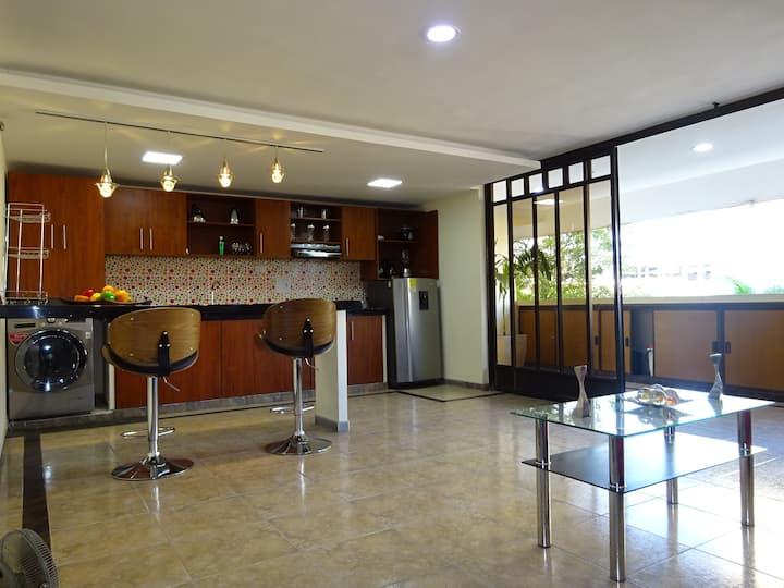 Ubicación central, amplio, seguro y fresco AC