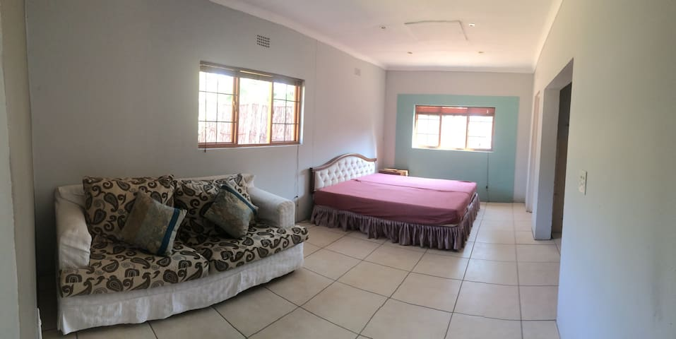 Cosy 1 bedroom cottage - Germiston - Apartamento