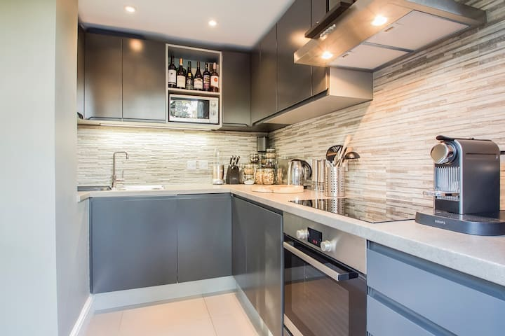 Clean and spacious kitchen if you wish to cook.