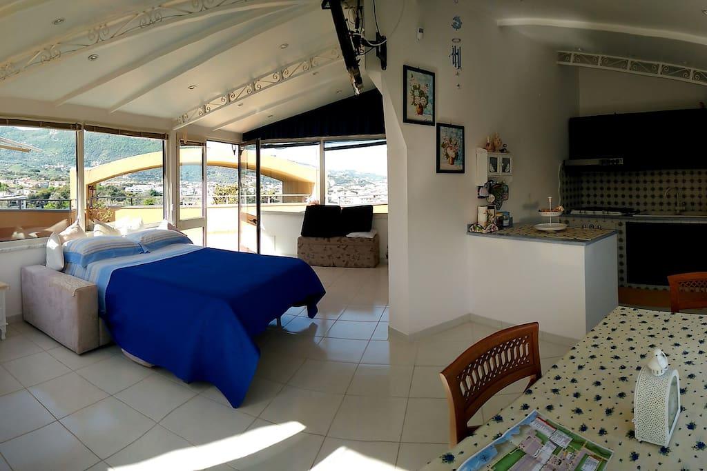 Sea view studio casa tesy appartamenti in affitto a for Piani casa economicamente efficienti