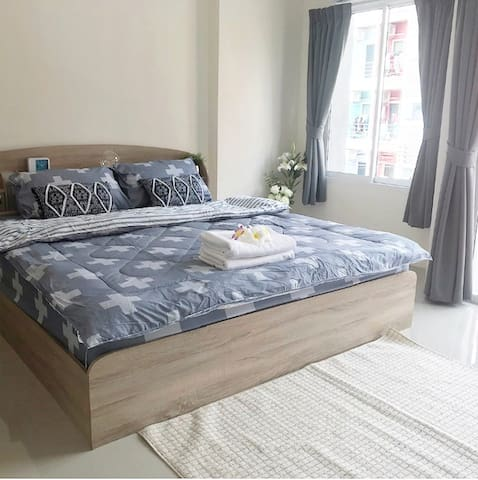 ✨✨Comfortable bright quiet Balcony & King bed✨✨306