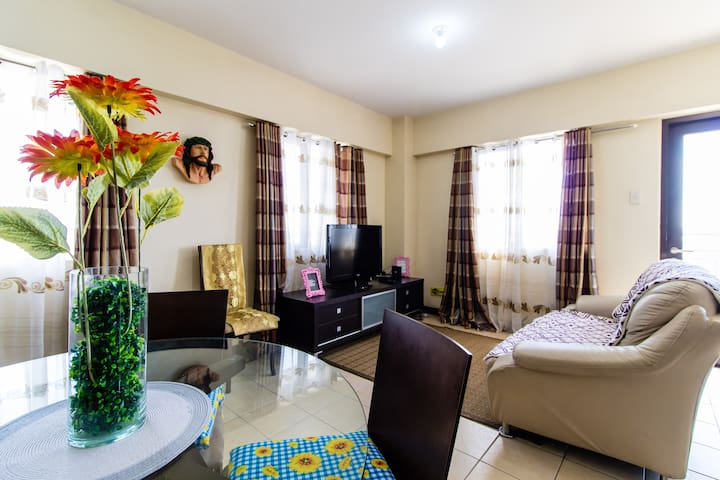 *LOW PRICE* 3BR Condo near SM Aura/BGC/McKinley