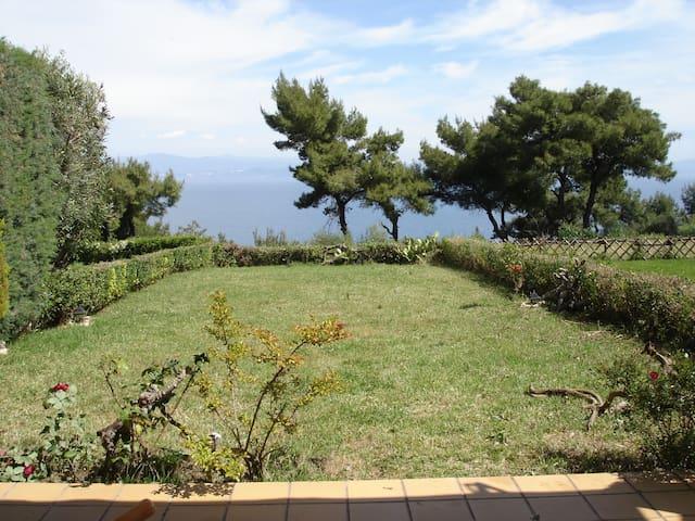 διακοπές με θέα στο απέραντο γαλάζιο - Afytos - Hus