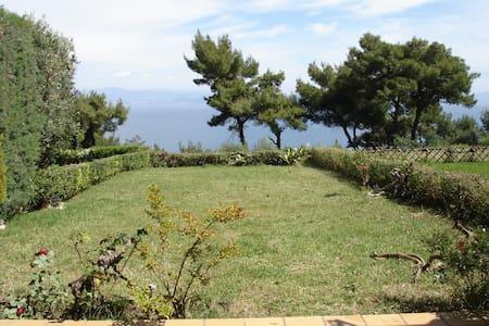 διακοπές με θέα στο απέραντο γαλάζιο - Afytos - Rumah