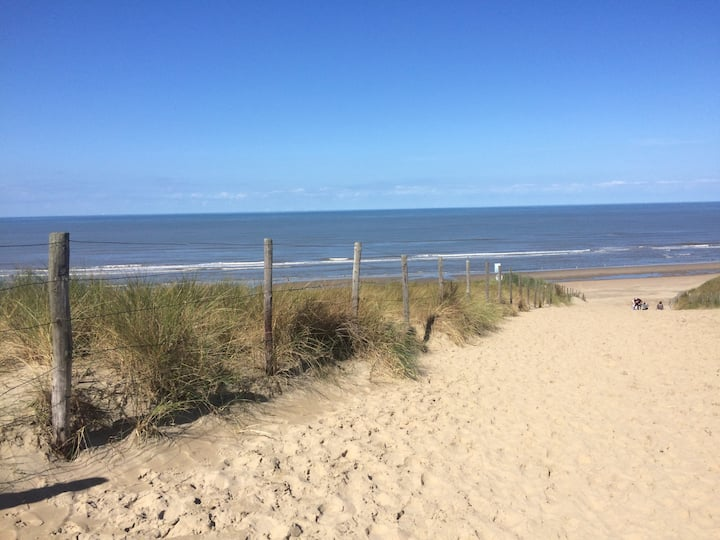 Beachhouse SeaBreeze, ontspannen naast de zee!