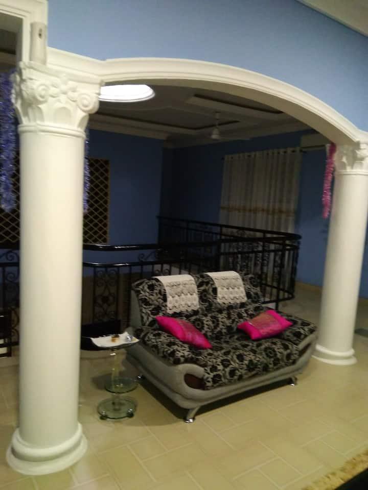 Lynn's Home Annex