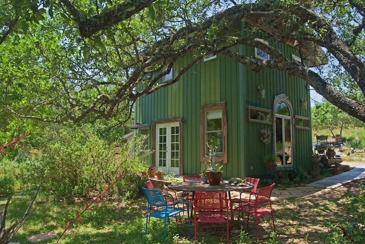 Dream Shack Escape in Texas Hill Country Nature