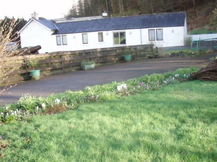 Glenmidge Old Smithy Cottage  Auldgirth