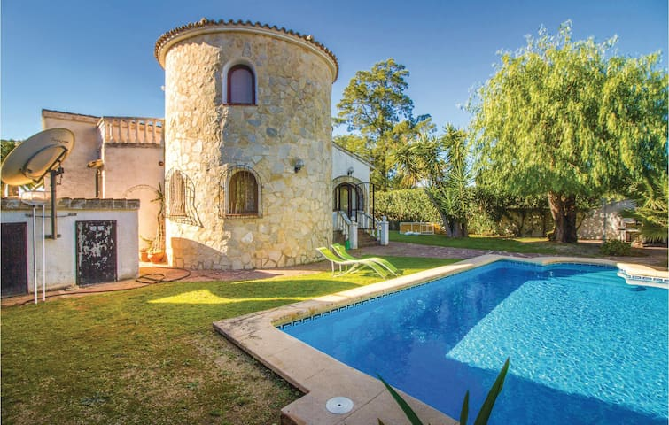 Holiday cottage with 3 bedrooms on 115m² in Els Poblets