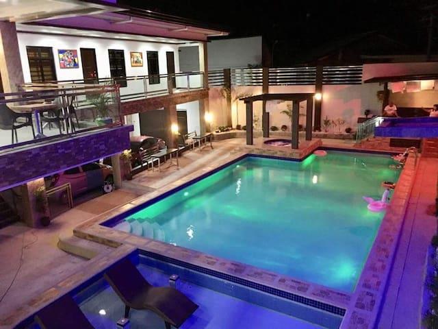 Villa Frances Hot Spring Resort