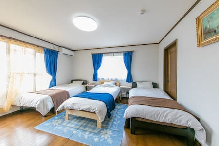 K/Free wifi/3min to Sta/Big house/Near Airport - Kaizuka-shi - House